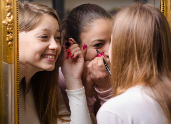 Фото №1 - ELLE girl приглашает на девичник CHANEL