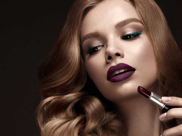 Фото №1 - 4 грубых ошибки, которые мы допускаем в вечернем макияже