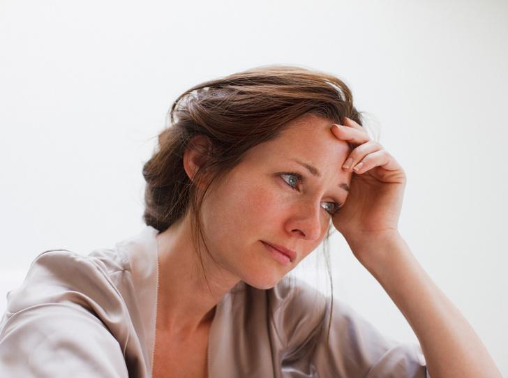 Фото №1 - 6 признаков, что вам нравится быть несчастной (и как с этим бороться)