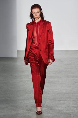 Фото №12 - От классики до сочных красок: лучшие костюмы с Недели моды в Нью-Йорке