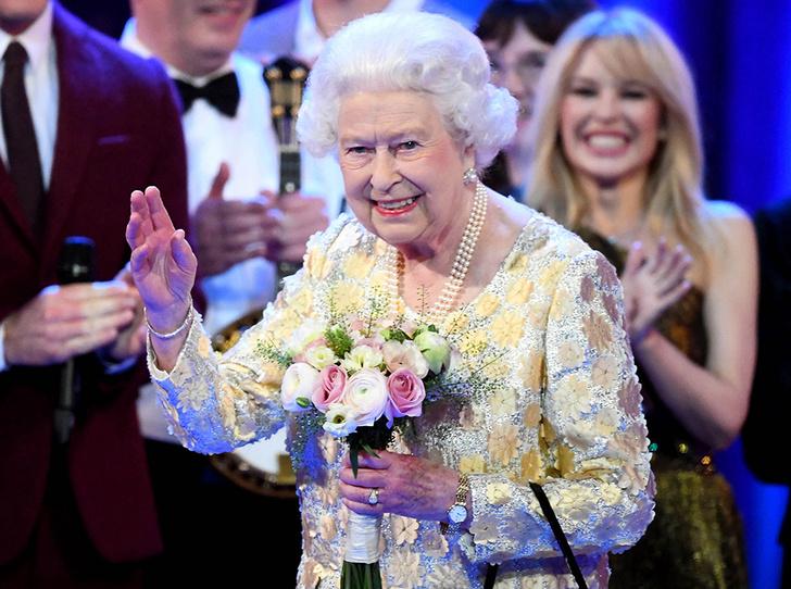 Фото №17 - Самые интересные моменты вечеринки в честь 92-летия Королевы
