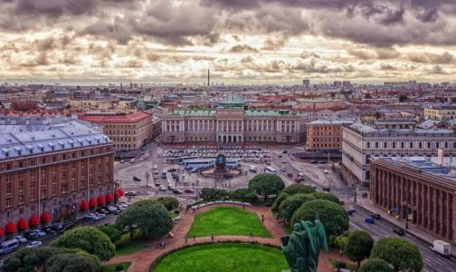 Фото №1 - Петербург вошел в топ-5 лучших городов России для пеших прогулок