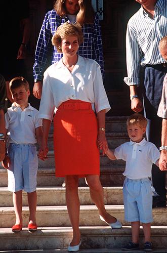 Фото №51 - 60 красных нарядов: как принцесса Диана носила любимый цвет