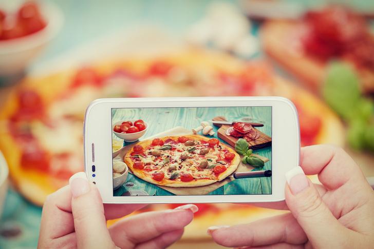Фото №1 - Названа самая фотографируемая еда