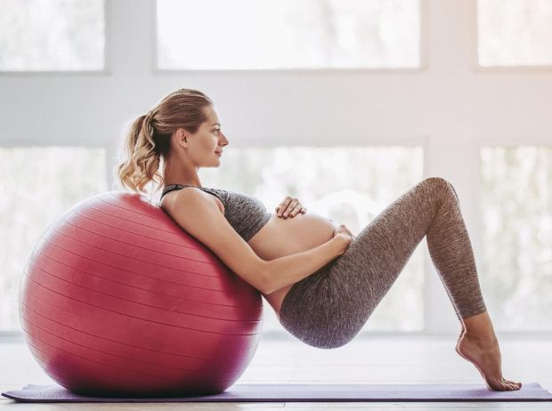 Фото №1 - Спорт и беременность: как тренироваться, чтобы не навредить себе и ребенку