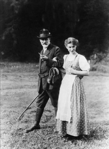 Фото №5 - Анна на шее: как психологические эксперименты Зигмунда Фрейда над младшей дочерью нанесли непоправимый вред ее психике