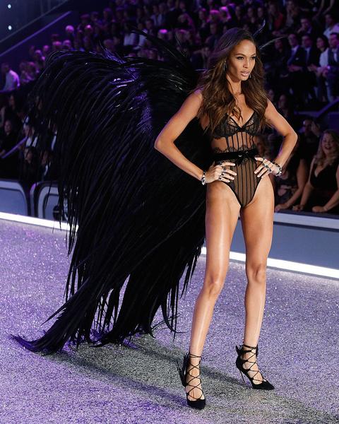 Фото №4 - Разрушаем стереотипы: модели Victoria's Secret обожают вредную еду