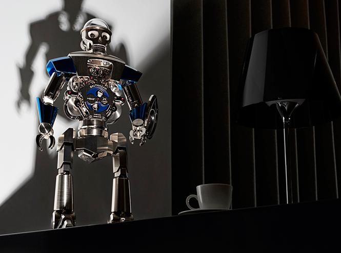 Фото №1 - Настольные часы Balthazar: робот, предсказывающий ваше настроение