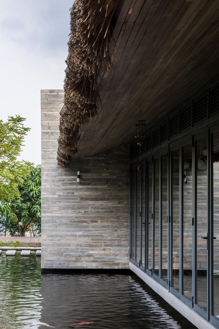 Фото №3 - Дом с соломенной крышей и прудом во Вьетнаме