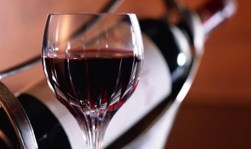 Фото №1 - Россия может снять запрет на грузинское вино и минералку