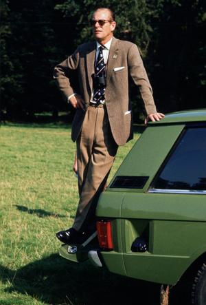 Фото №2 - Как семья поздравила принца Филиппа с 99-летием (Сассекские снова отличились)