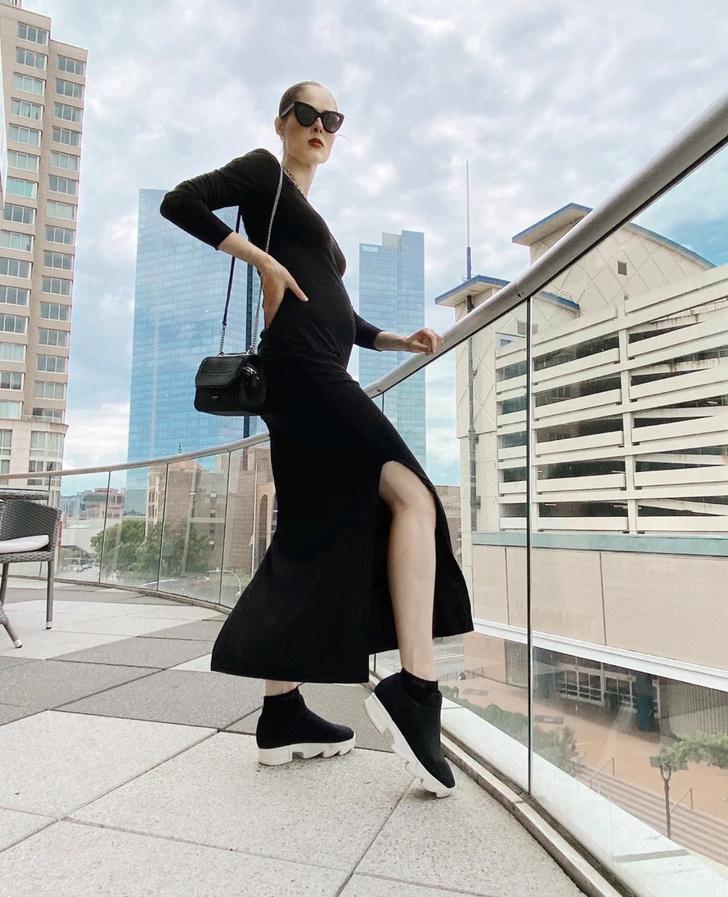 Фото №1 - Черное платье, которое невероятно стройнит Коко Роша даже на шестом месяце беременности
