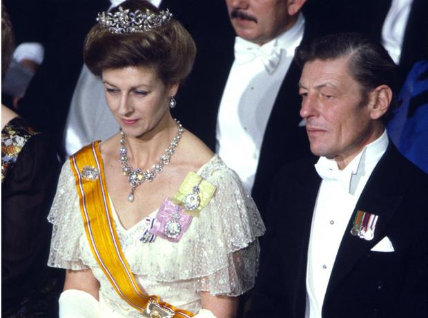 Фото №3 - Почему кузина Королевы называла Чарльза «ужасным ребенком»