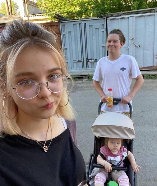 Дарья Судишникова с дочерью