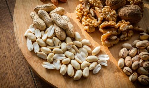 Фото №1 - Роспотребнадзор: Орехи помогут избежать болезней сердца и уменьшить содержание сахара в крови