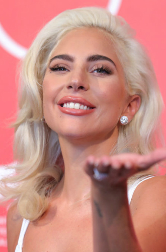 Фото №34 - Как хорошела Леди Гага: все о громких бьюти-экспериментах звезды