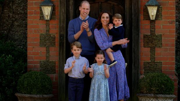 Фото №1 - Кейт Миддлтон и принц Уильям провели отпуск на необычном острове
