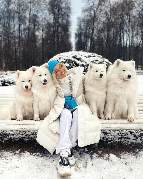 Фото №1 - Модные шапки 2021: смотри, что носит Клава Кока, Аня Покров, Хейли Бибер и другие селебы этой зимой
