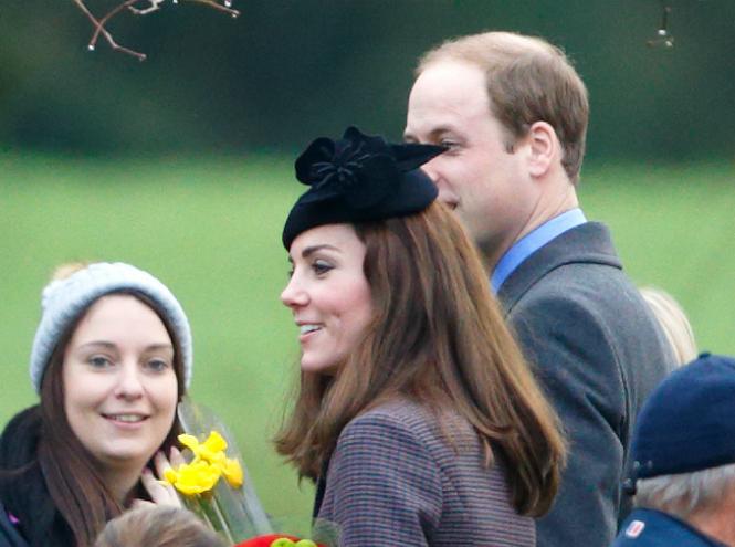 Фото №1 - Герцогиня Кембриджская получила в подарок нарциссы