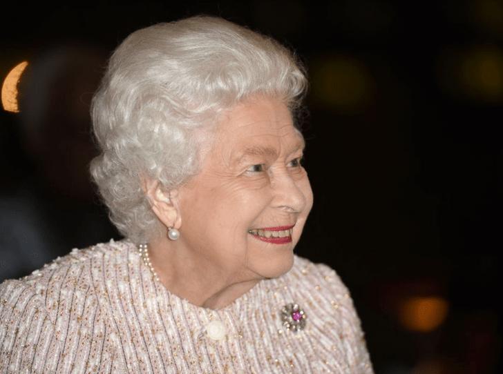 Фото №2 - Как Королева пошутила в годовщину своей свадьбы