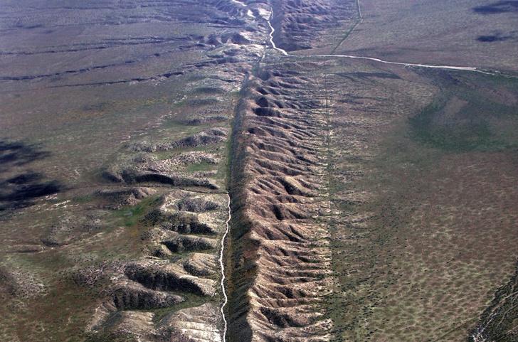 Фото №1 - Дрожь Земли: 5 опаснейших разломов в земной коре