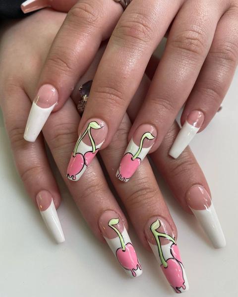 Фото №5 - Позалипать и вдохновиться: 45 крутых идей маникюра для длинных ногтей 💅