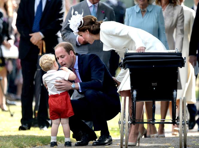 Фото №37 - Самые трогательные моменты крестин детей герцогов Кембриджских