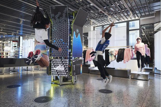 Фото №6 - Первый флагман Nike в Париже