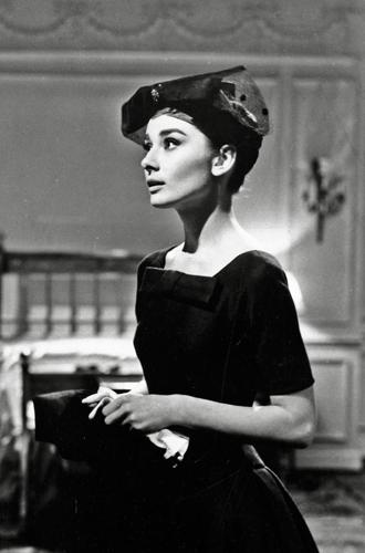 Фото №2 - Почему платье Меган Маркл от Dior кажется таким знакомым (неожиданно)