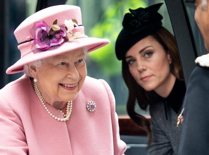 Фото №2 - Как герцогиня Кейт готовится к роли королевы