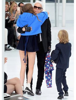 Фото №11 - Неделя моды в Париже: показ Chanel