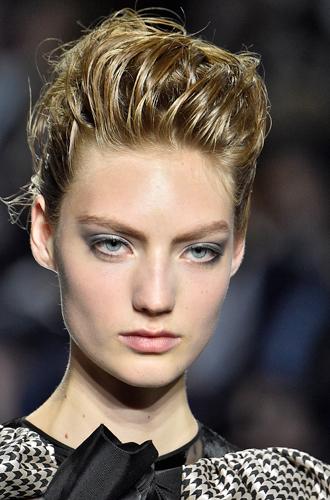 Фото №27 - Бьюти-секреты для занятых женщин: как вернуть глазам сияющий вид
