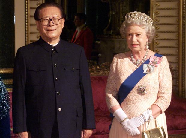 Фото №2 - «Плохой» Чарльз: как принц подвел Королеву, Корону и Британию