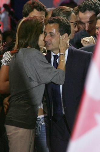 Фото №26 - Первые леди Франции: от Ивонны де Голль до Карлы Бруни-Саркози