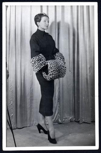 Фото №3 - От сумок до обуви: как выглядят самые модные вещи Dior с леопардовым принтом