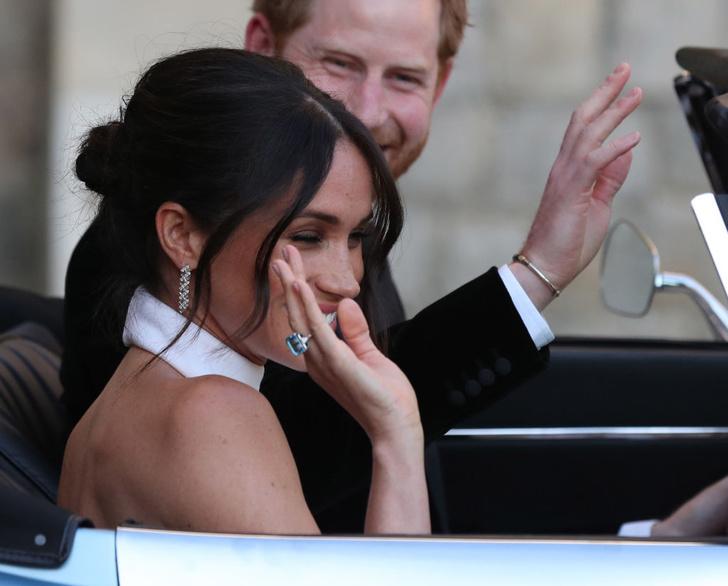 Фото №8 - Наряды королевской семьи, которые несут в себе тайный смысл