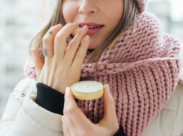 Фото №1 - Как ухаживать за губами в холода
