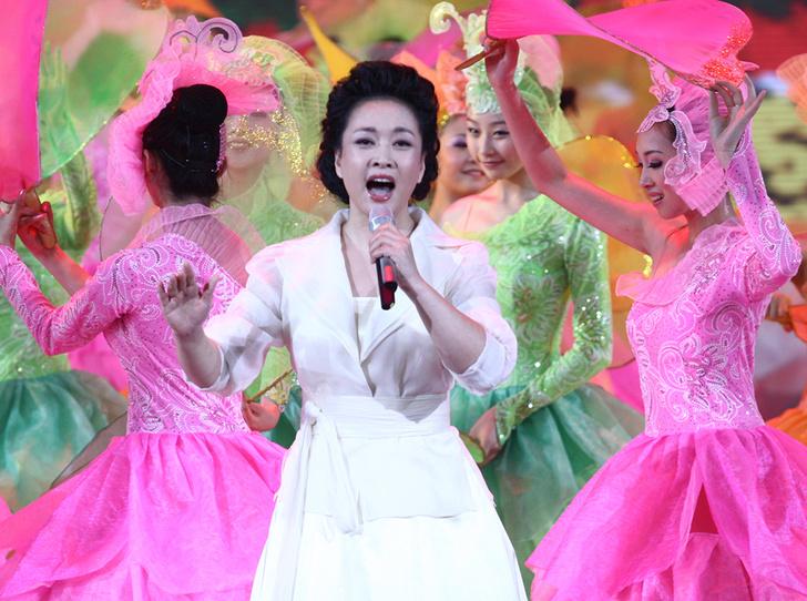 Фото №16 - Семь Первых леди, начинавших карьеру в шоу-бизнесе