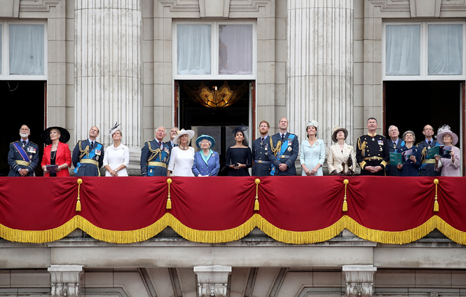 Фото №7 - Герцоги Кембриджские и Сассекские вместе вышли на работу