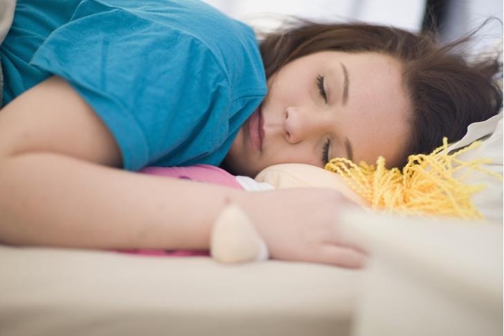 Фото №1 - Нужен ли подросткам дневной сон