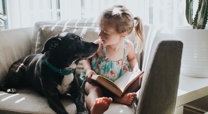 Собаки положительно влияют на развитие ребенка