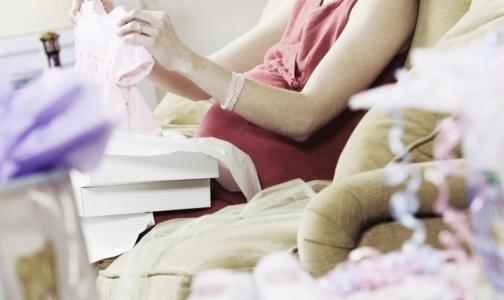Фото №1 - Беременные петербурженки заражаются ВИЧ на поздних сроках и инфицируют детей