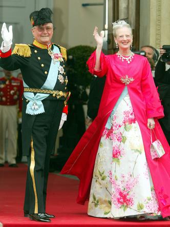 Фото №18 - Гордость женихов и невест: самые стильные мамы на королевских свадьбах