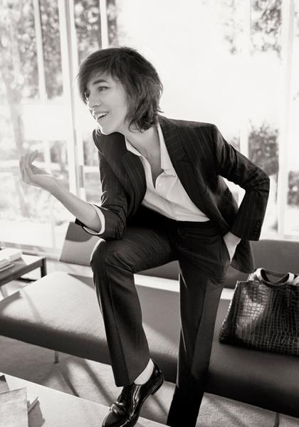 Фото №2 - Шарлотта Генсбур в новой рекламной кампании Gerard Darel
