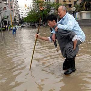 Фото №1 - Китай размывает дождями