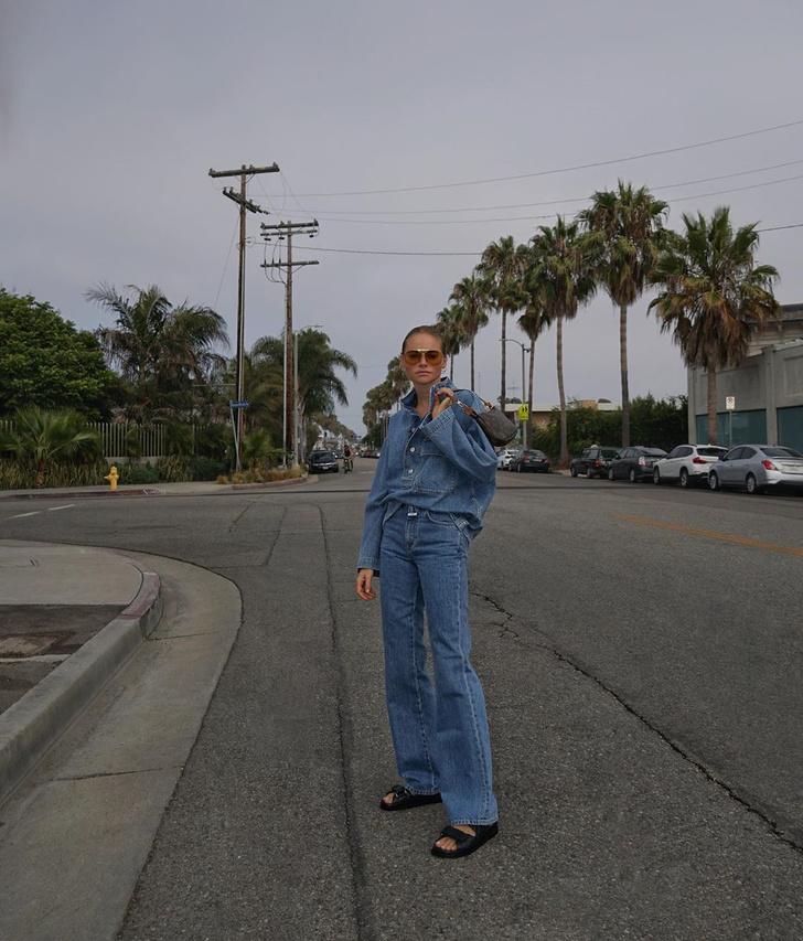 Фото №1 - Не слишком: инфлюенсер Клэр Роуз показывает, как носить тотал-лук из денима