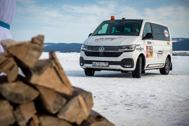 Фото №2 - Марка Volkswagen Коммерческие автомобили приняла участие в фестивале «Дни скорости на льду Байкала»