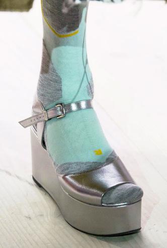 Фото №13 - Самая модная обувь весны и лета 2020: советы дизайнеров