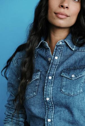 Фото №7 - Как носить деним этой осенью: капсульная коллекция Maje First Stone
