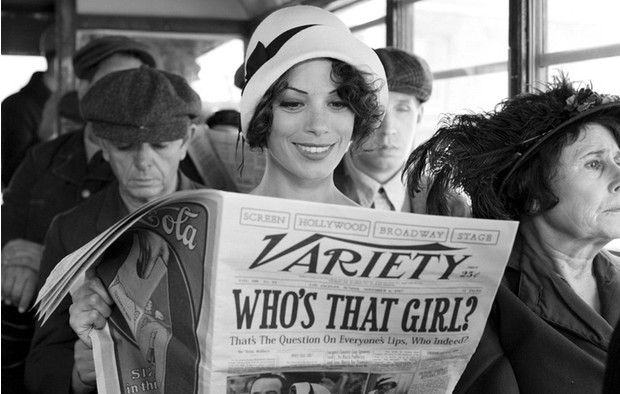 Фото №1 - День черно-белого кино: 6 не только старых фильмов, которые стоят твоего времени